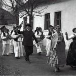 Narodna vjerovanja i običaji za zaruke i svadbu