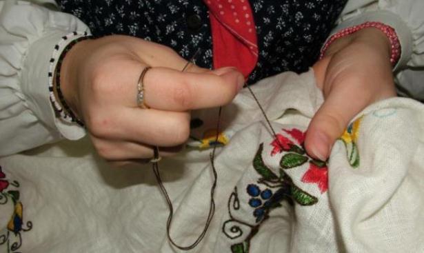 Vez i tehnike vezenja i ukrašavanja odjeće