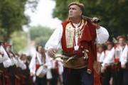 Puška kao sastavni dio narodnih nošnji i tradicionalno oružje
