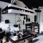 Ognjište komin i pribor na kominu 150x150 Tradicionalna priprema domaćeg sapuna od svinjske masti