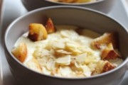 Bakina juha s bademima i slatkim vrhnjem