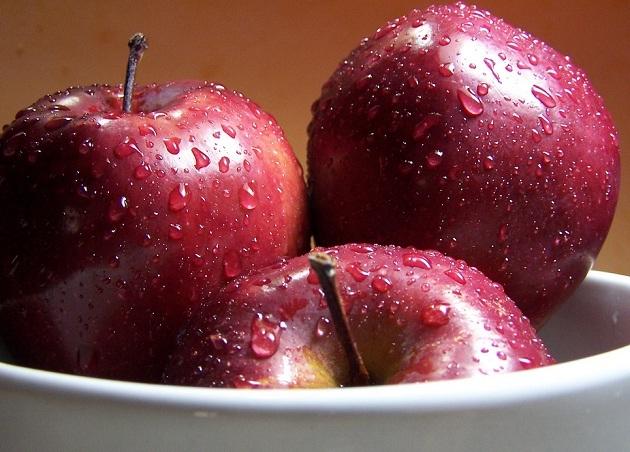 Zašto jesti koru jabuke