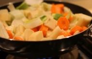 Jednostavna juha s mnogo povrća -francuska juha-
