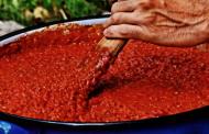 Priprema domaćeg ajvara po tradicionalnom receptu