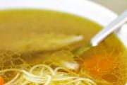 Jednostavna i vrlo hranjiva kokošija juha