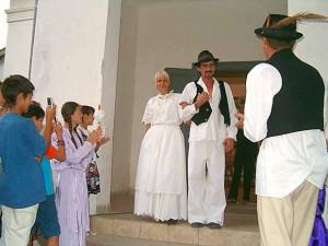 pro%C5%A1nja narodni obi%C4%8Daj 300x225 Tradicionalno narodno Vjenčanje